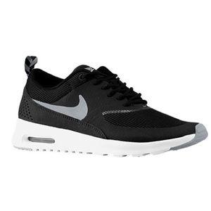 Nike Air Max Thea size 9